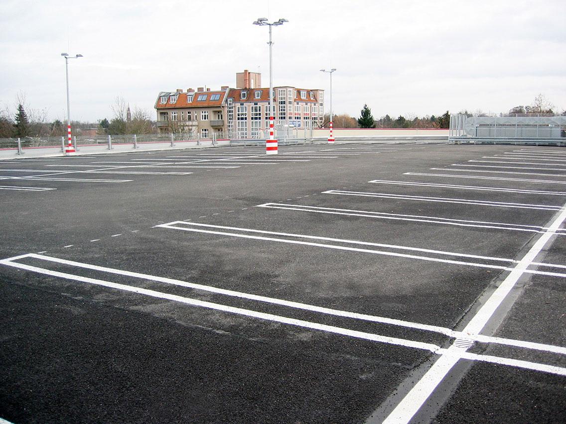 Parkdecksanierung im laufenden Betrieb eines Einkaufszentrums